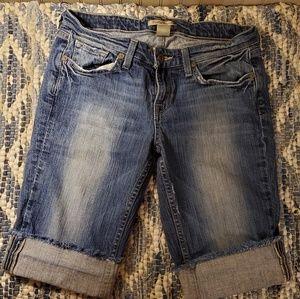Lucky Brand Bermuda Shorts size 6💙